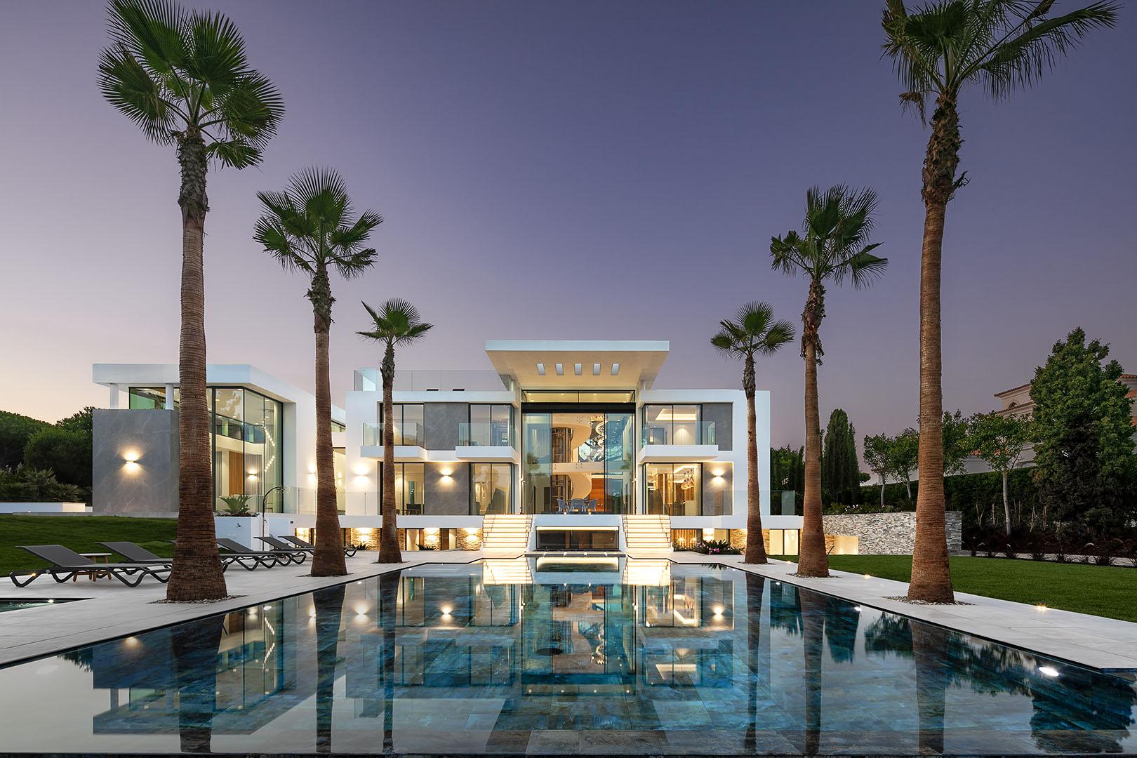 Exquisite brand new villa set on a spacious plot