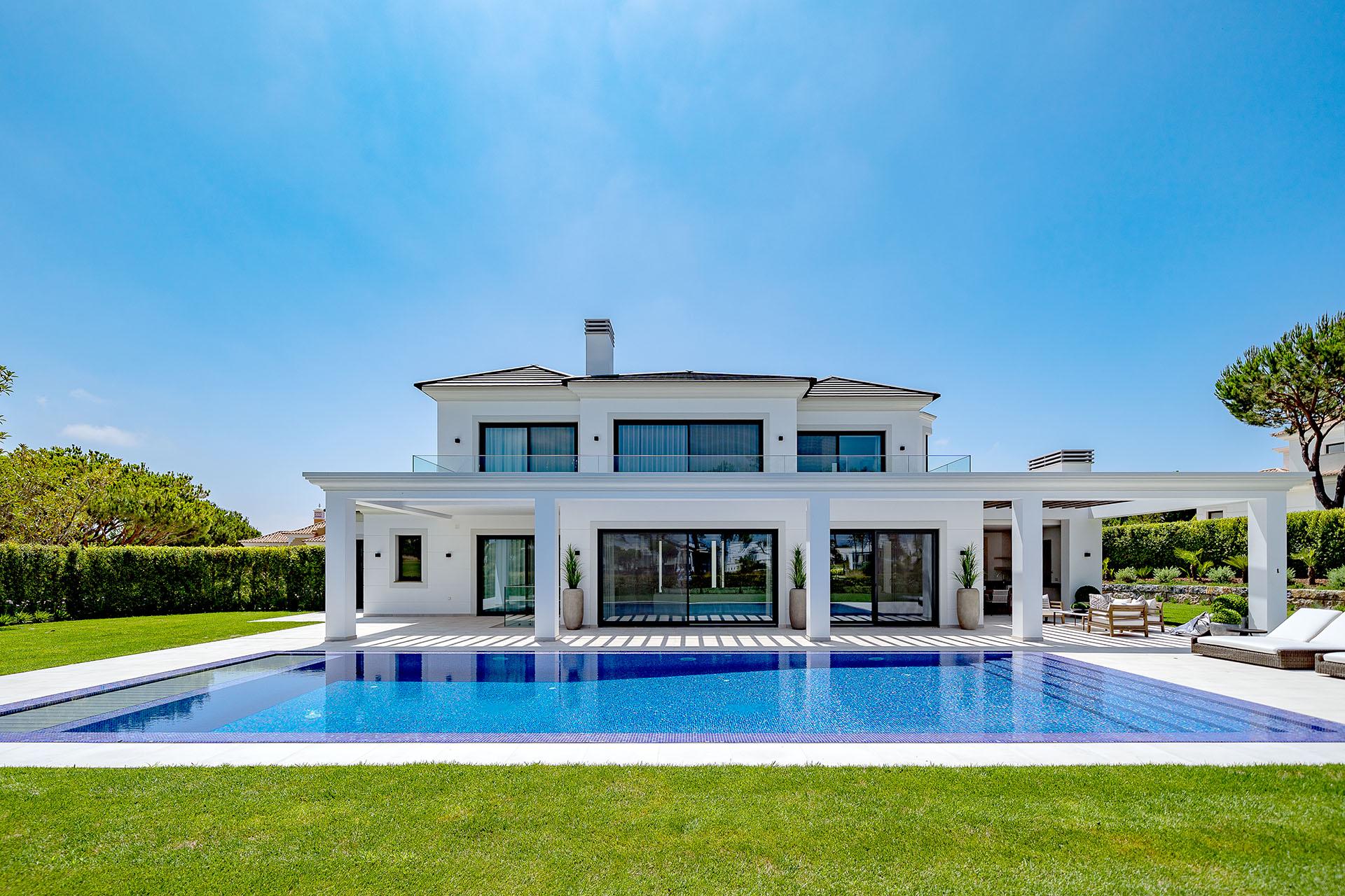 Wonderful villa with lake and fairway views
