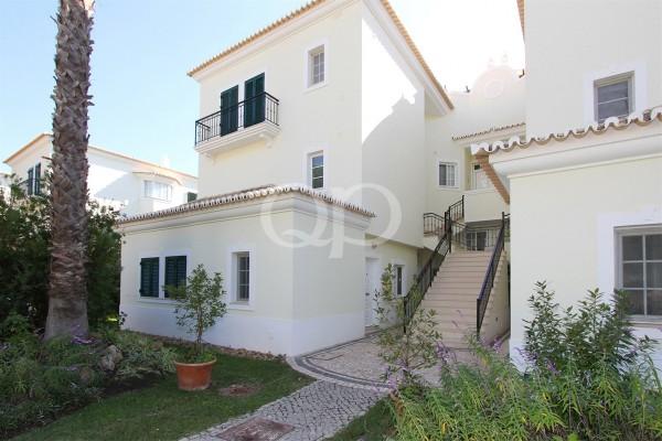 A charming, bright studio apartment in Vale do Lobo
