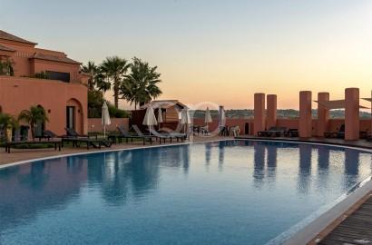Apartamentos em campo de golfe de prestígio