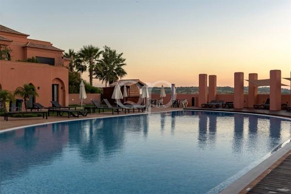 Award-winning golf course apartments