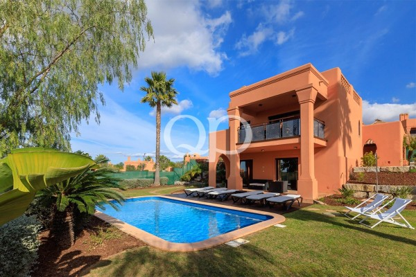 3-bedroom villas located in award-winning golf resort