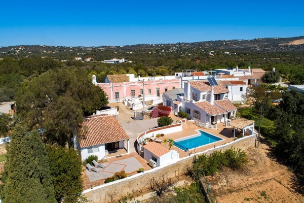 Beautiful rustic villa set in Boliqueime with panoramic views