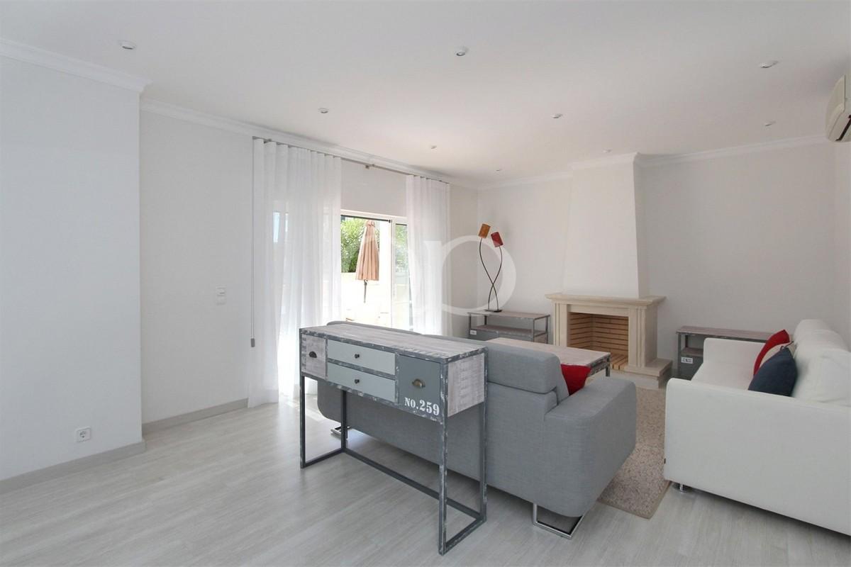 Atrativo apartamento T3 térreo recentemente remodelado