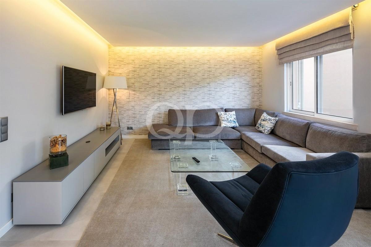 Magnificent duplex three bedroom apartment