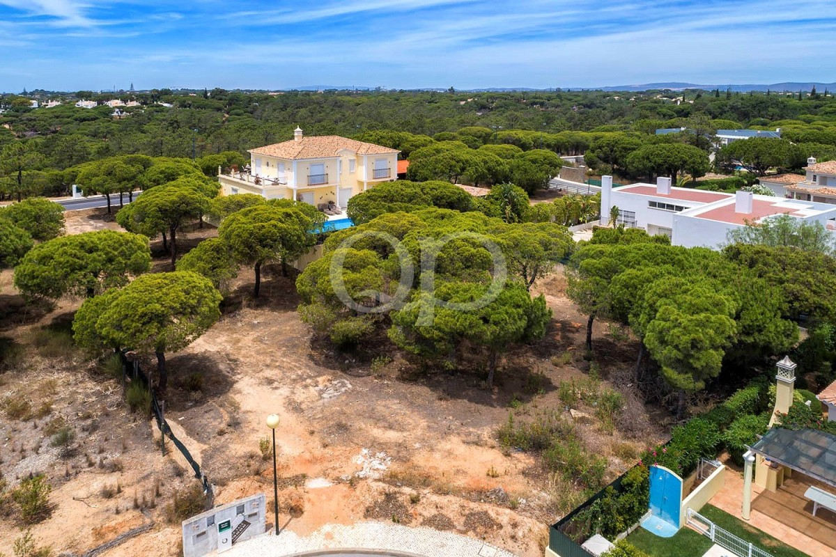 Building plot in Varandas do Lago - close to the beach