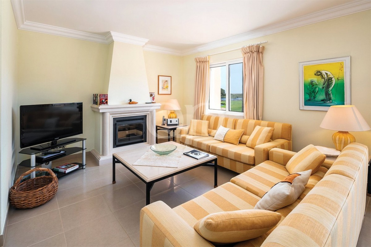 Three bedroom apartment with private garden