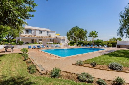 6 bedroom villa with swimming pool and tennis court