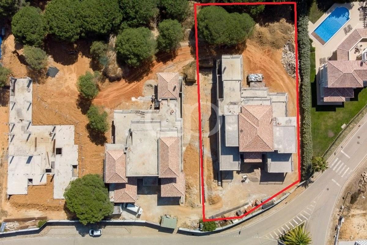 5 bedroom villa under construction