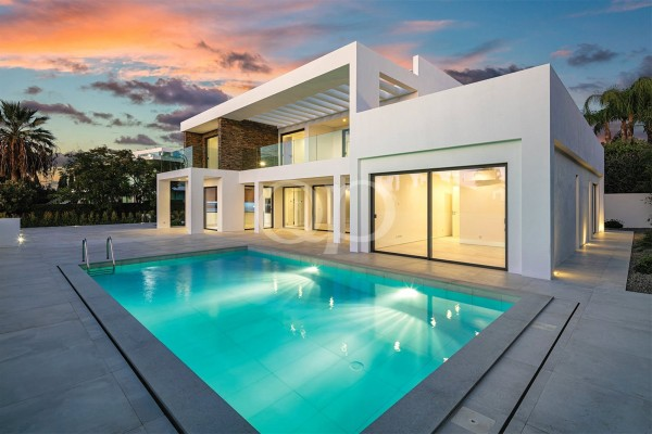 Impressive renovated villa in Vale do Lobo