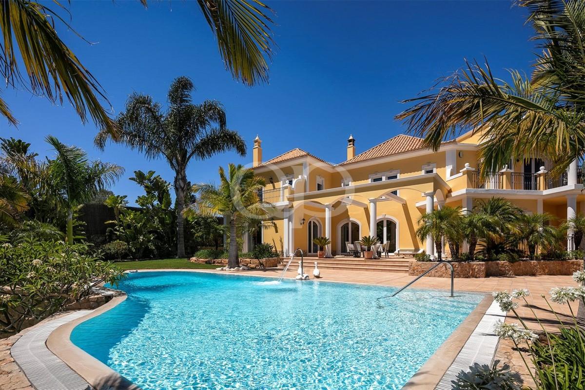 Luxury 5 bedroom villa in the countryside near Vilamoura