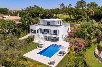 Stunning brand new villa with golf views