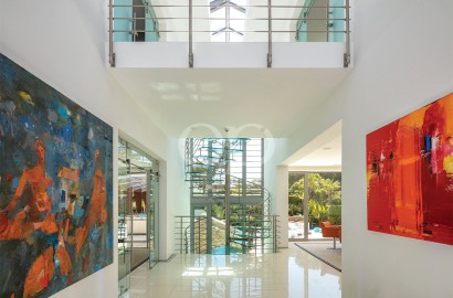 Spectacular home in a quiet and secure location