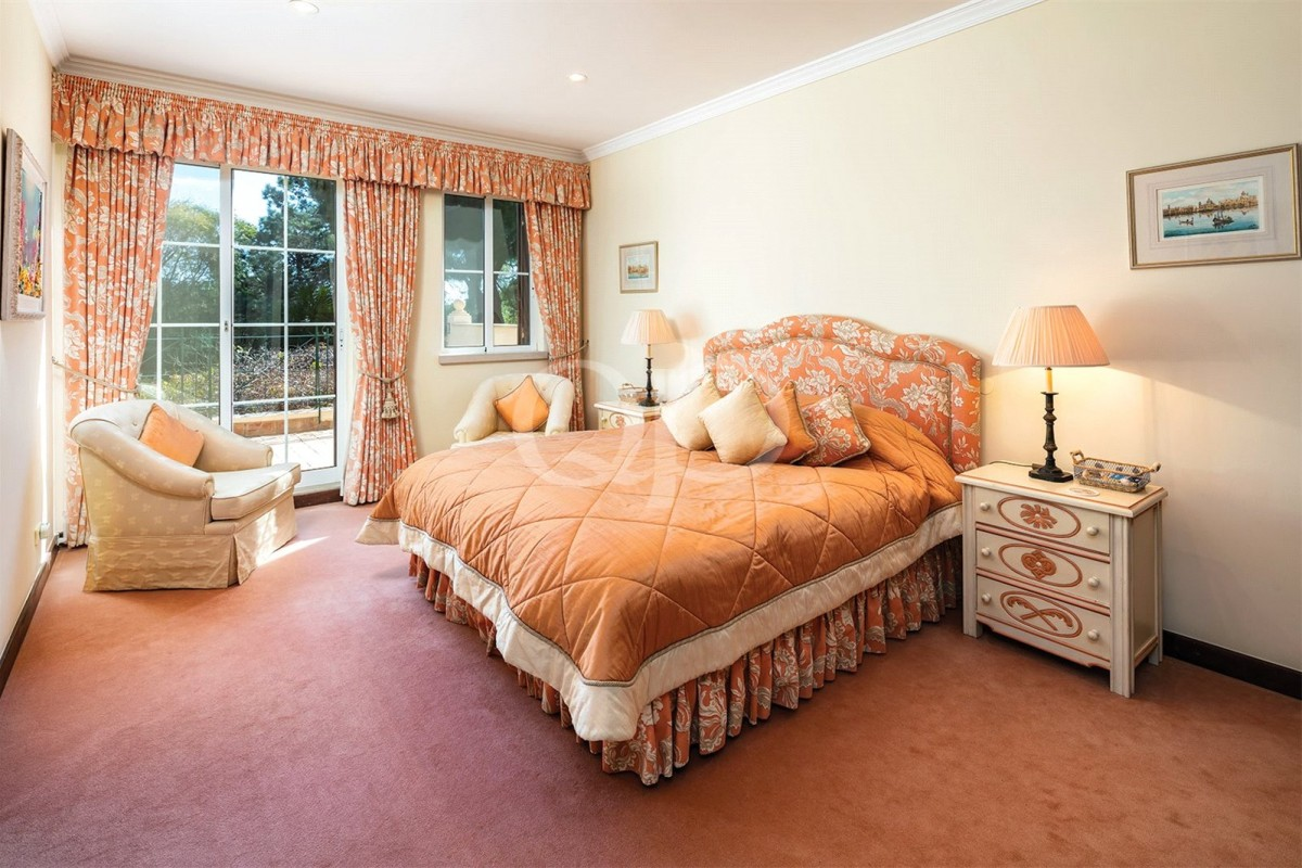 4-bedroom family villa on golf resort