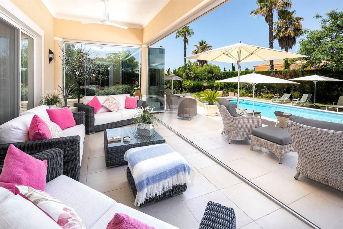 Beautifully presented villa near Vale do Lobo