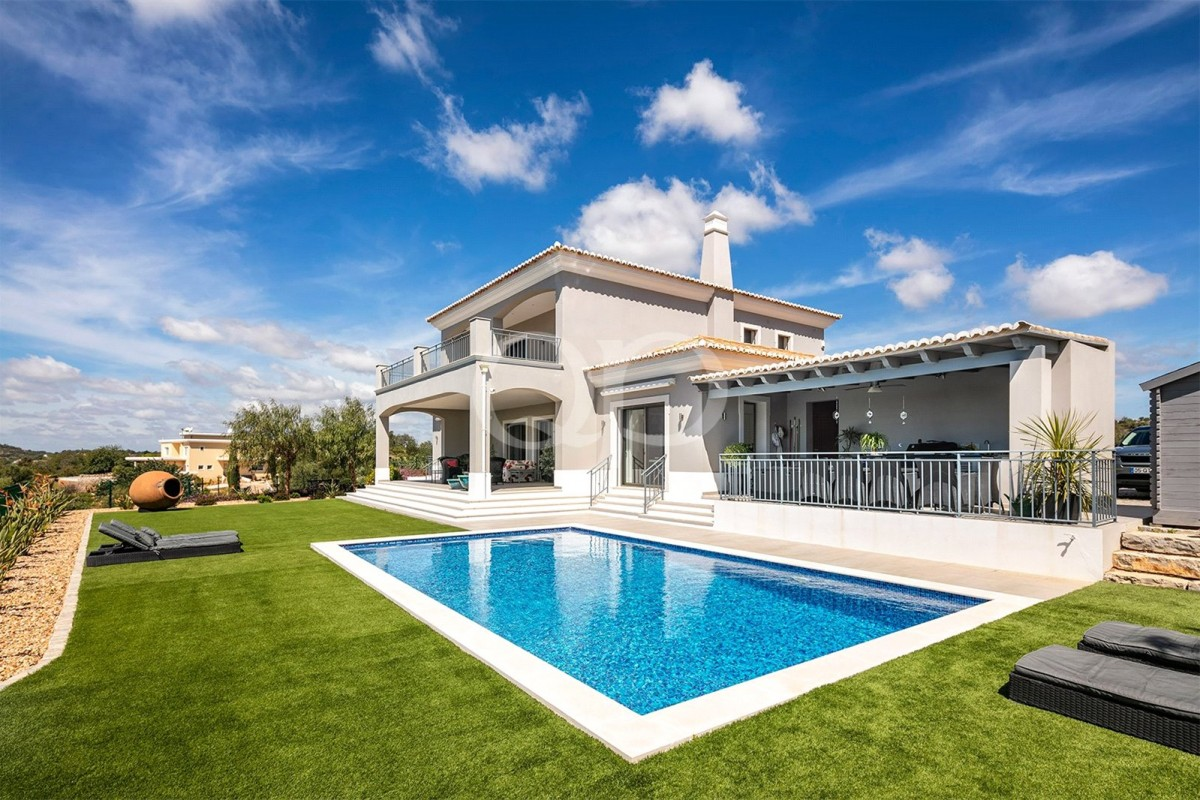 Stylish and contemporary villa