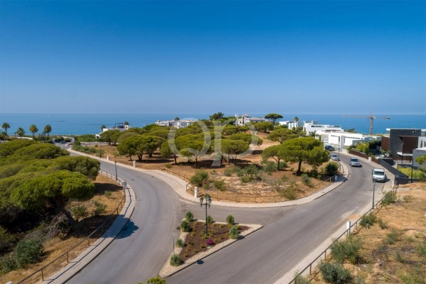 An exceptional plot in the prestigious Vale do Lobo resort