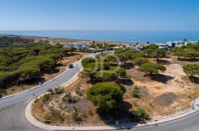 An exceptional plot in the prestigious Vale do Lobo resort