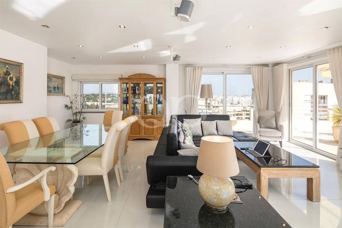 Spectacular apartment set close to Vilamoura´s marina