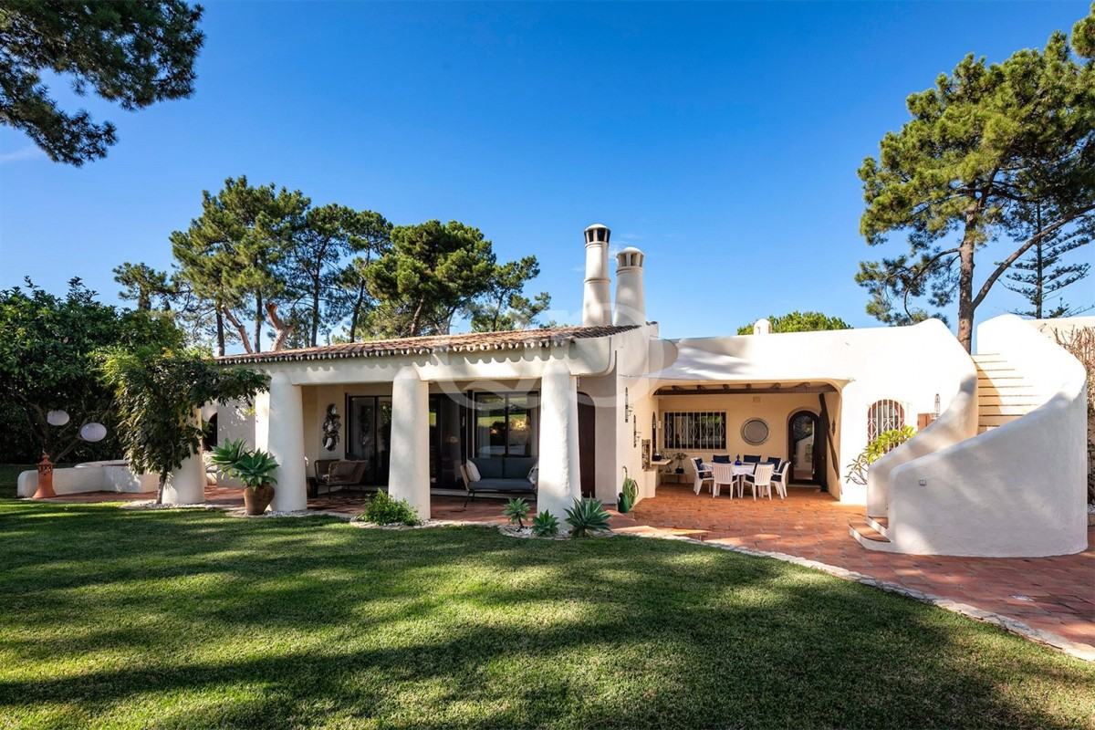 Ideal family villa on the golf course