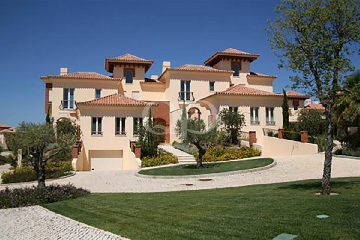 Beautiful villas located in Monte Rei Golf & Country Club