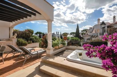 Apartamento T2 com deslumbrante vista para o mar em resort de luxo