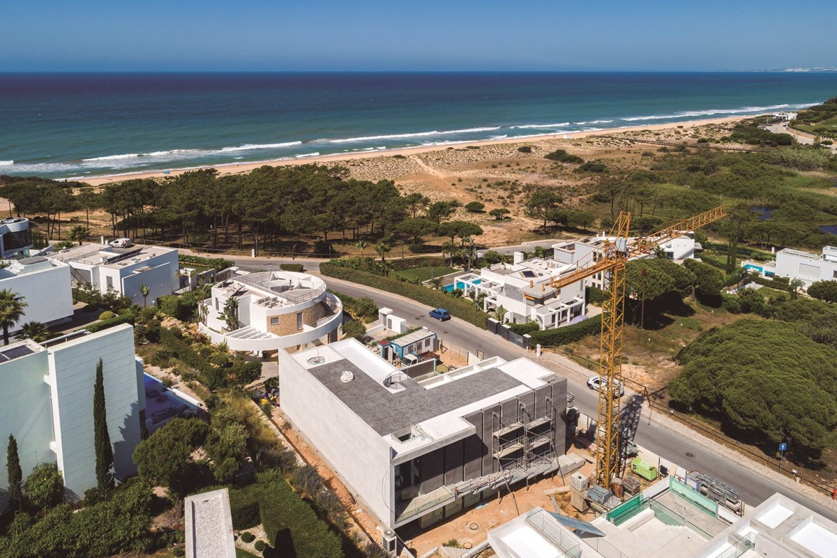 A spectacular project with sea views