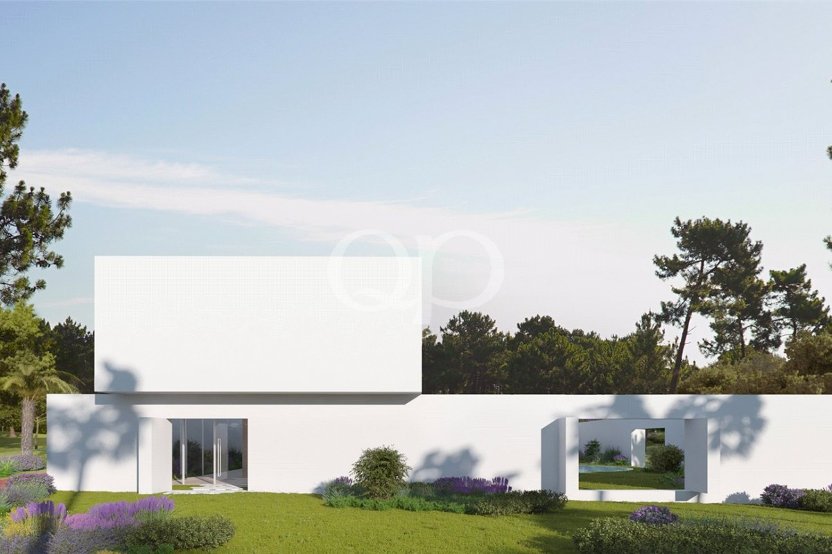 Large golf front plot with approved project