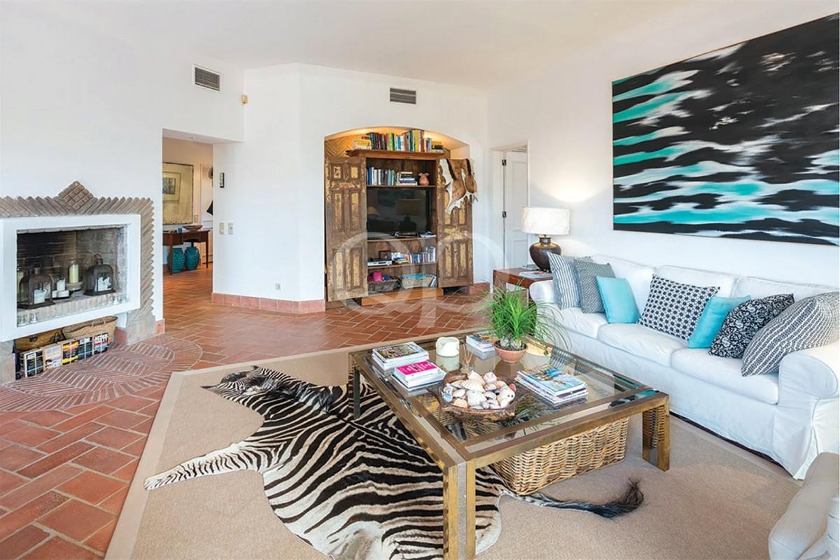 Delightful Quinta do Lago apartment with a private garden