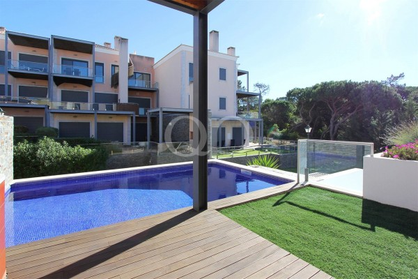 Attractive 2 bedroom townhouse in Vale do Lobo
