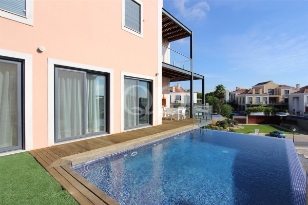 Modern 2 bedroom apartment in Vale do Lobo