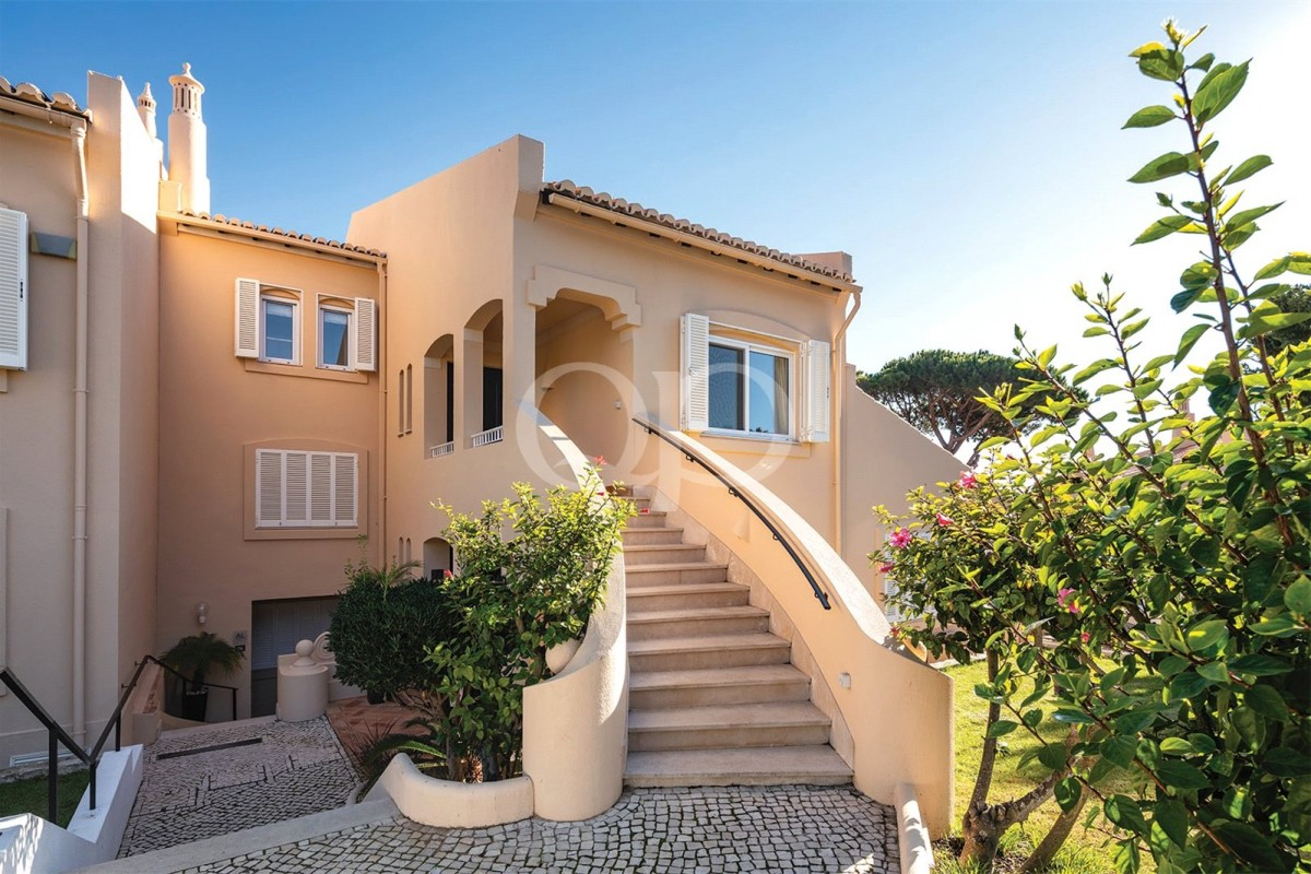 Charming townhouse in the heart of Vale do Lobo