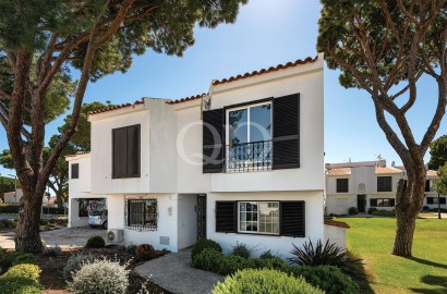 Attractive centrally located apartment in Vale do Lobo