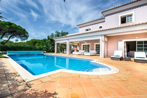 4-bedroom villa in Varandas do Lago