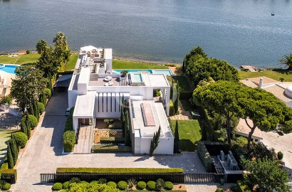 Phenomenal waterfront villa with lake and sea views