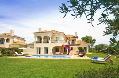 Stunning villa with captivating views at Monte Rei Golf & Country Club