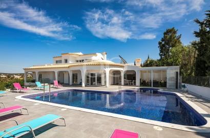 Superb villa set in the hills of Goldra de Baixo