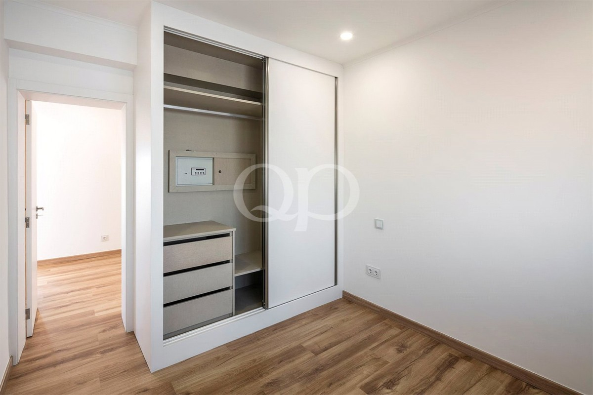 Recently renovated apartment set in the centre of Loule