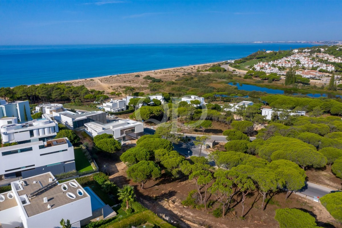 Plot in a sought-after area of Vale do Lobo