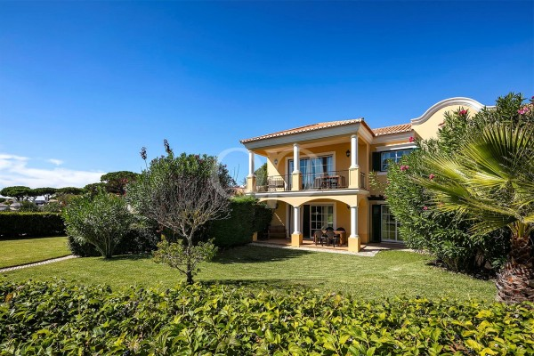 Spacious 2-bedroom apartment near Vale do Lobo