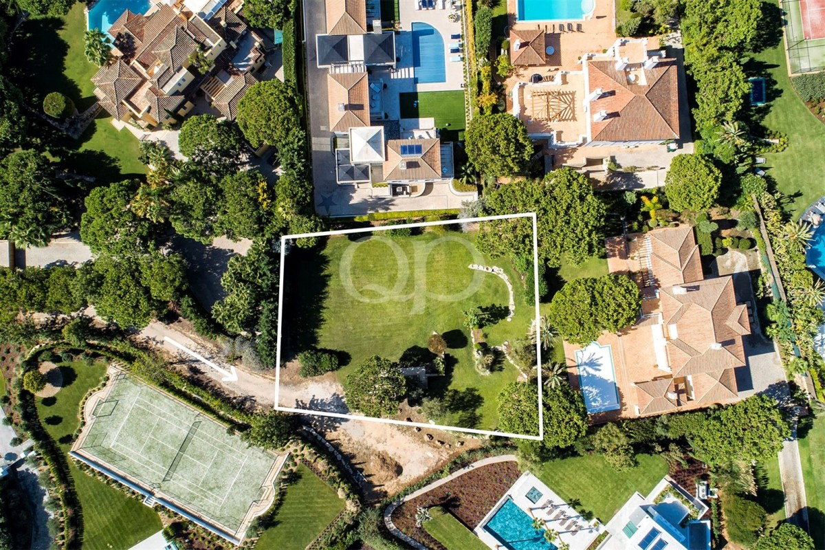 Plot with adopted land for development in Quinta do Lago
