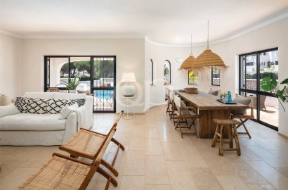 Renovated south-facing villa with a private pool near the beach
