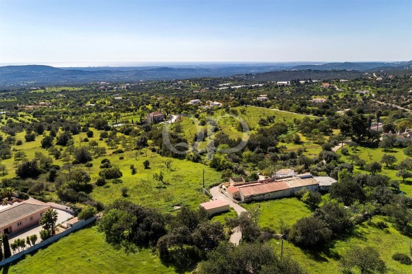 Large plot/project located in Vale Telheiro, Loule