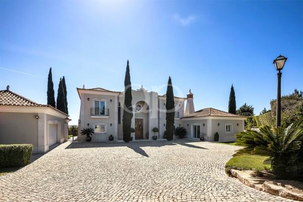 Residência de luxo em Goldra de Baixo com vista para o mar