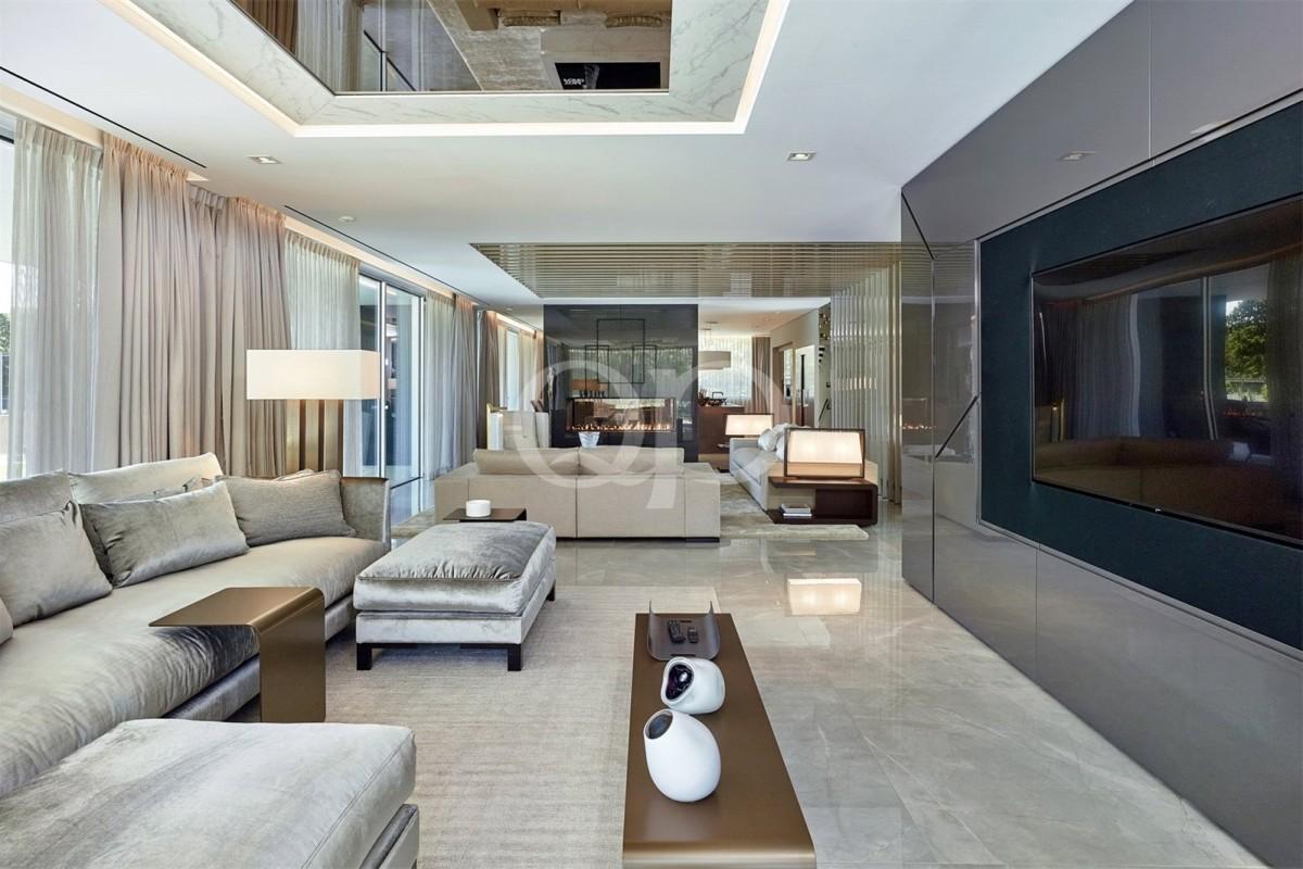 State-of-the-art villa in a prime location