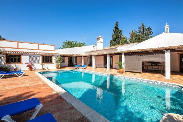 Encantadora residência à Portuguesa em Goldra