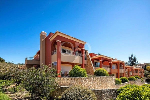A 2-bedroom apartment in a private and secure golf development