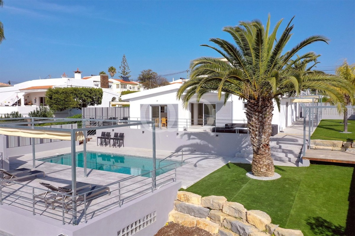 Newly refurbished 3+1 bedroom villa near the beach