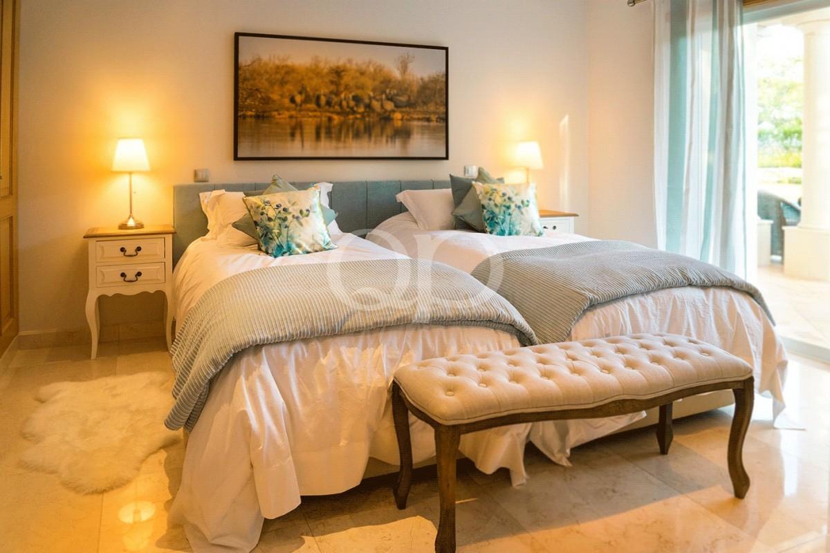 Attractive 5-bedroom family villa