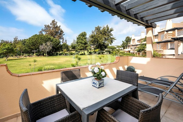 2 bedroom apartment with golf views